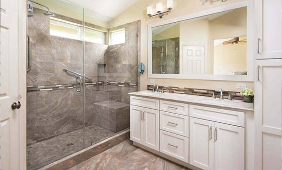 Contemporary bathroom remodeling in Fort Lauderdale, FL
