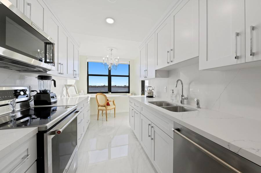 Kitchen remodeling for condominiums in Plantation, FL