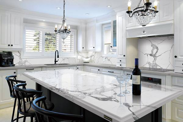 Kitchen remodeling process in Pompano Beach for custom countertops on kitchen island