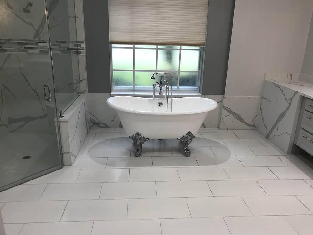 Clawfoot tub bathroom remodeling in Coral Springs, FL